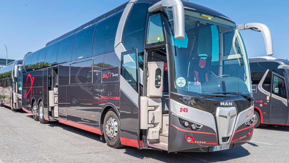 Entrada - 63 plazas Elite Touring
