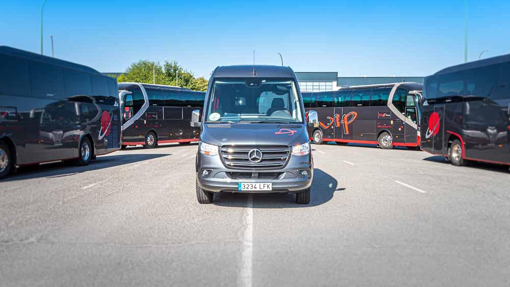 Frente - Autocar 9 Plazas  Elite Touring